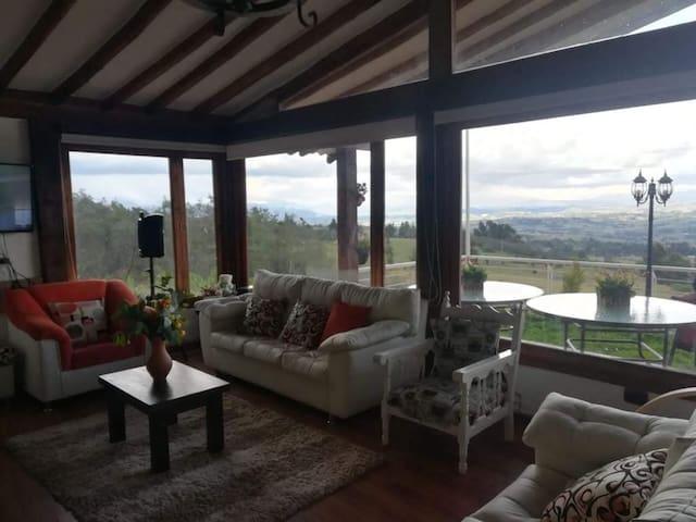 Casa campestre con hermosa vista a Montañas