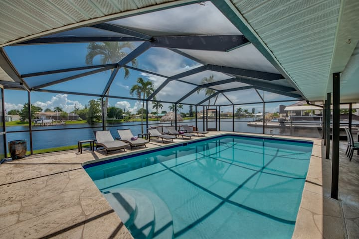 Villa Boaters Paradise top Location on water, Pool