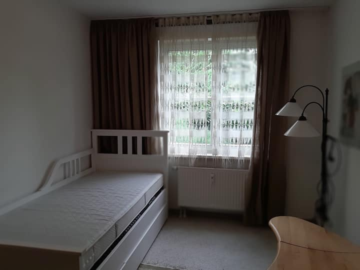 Berlin single room near Alexanderplatz, long stay