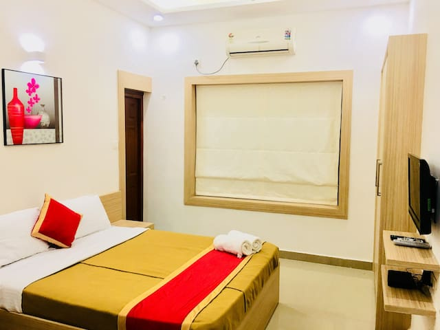Paradise Homestay - Deluxe A/C Rooms