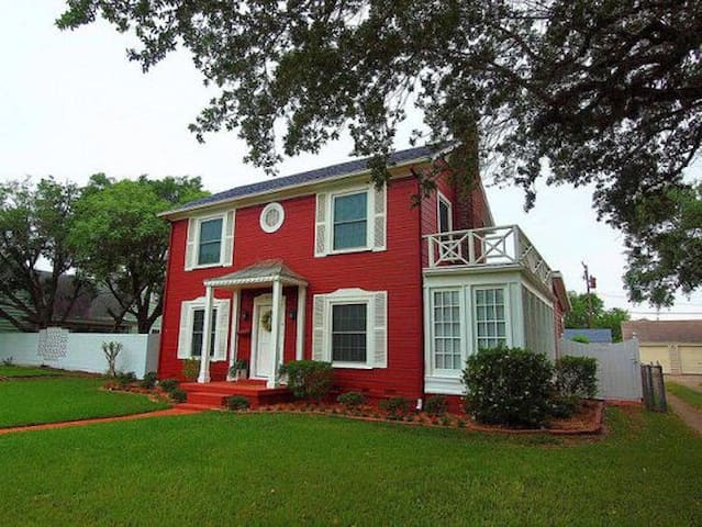 Beautiful colonial home