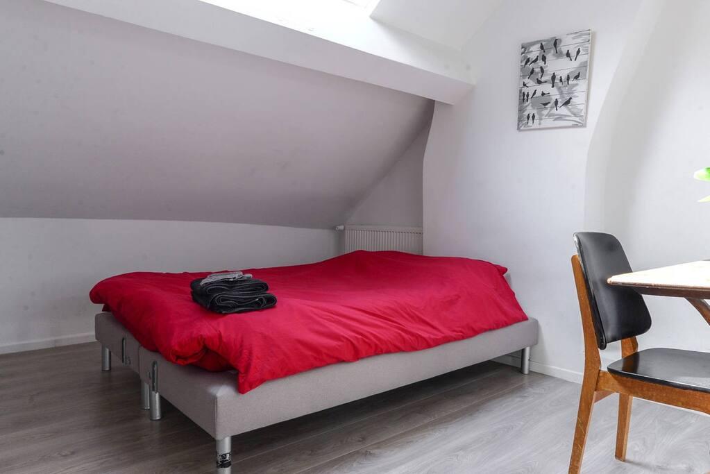 Lit double confortable - 140cm