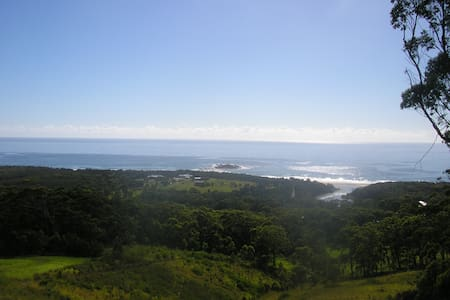 Large private area, minutes to secluded beach lake - Woolgoolga