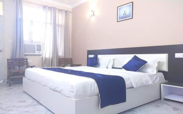 AC Deluxe Room with Breakfast and Dinner