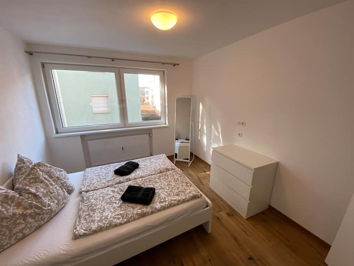 Large modern apartment with free parking!