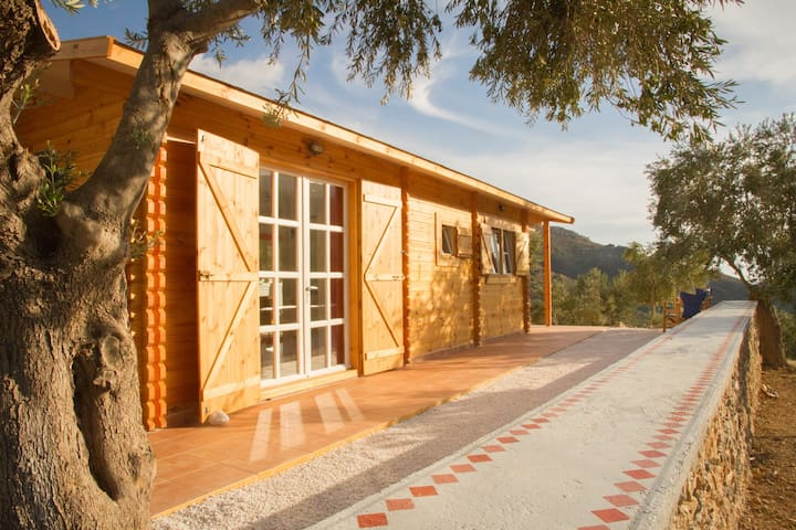Charming Wooden Eco-House Sougia