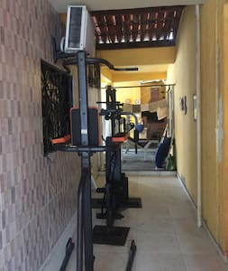 Alugo quarto em casa residencial em Fortaleza