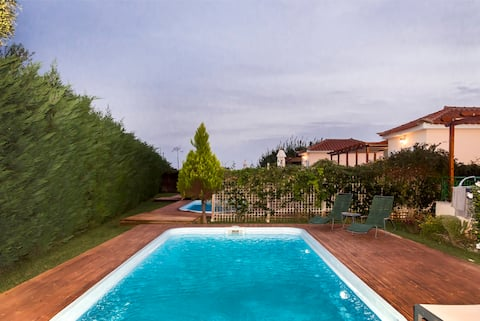Artemis, villa with pool 250m to the beach