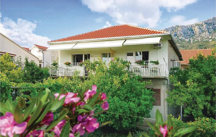 Holiday apartment with 1 room on 21m² in Kastel Gomilica