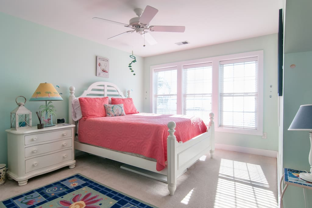 Upstairs bedroom with queen size, full and twin bed