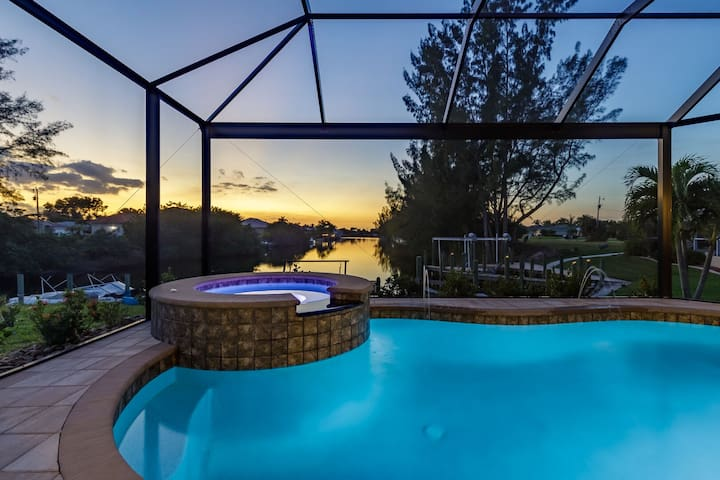Roelens Vacations - Sunset Oasis - Cape Coral, Fl