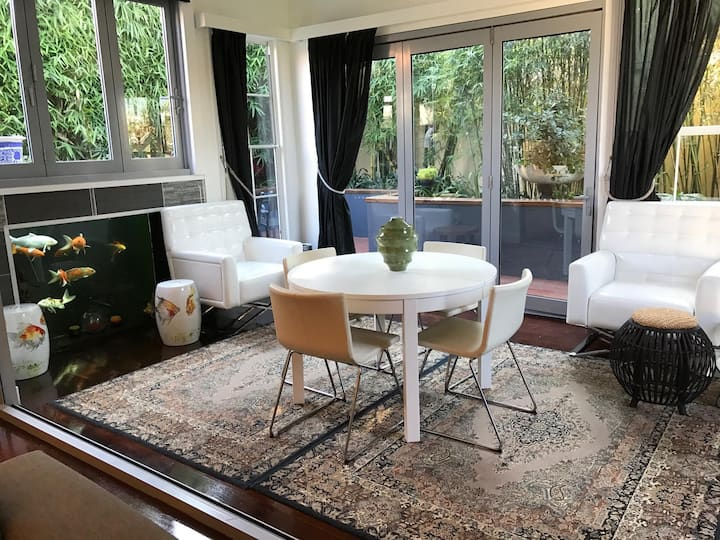Lux 4BR Close 2 City/beach/airport/train station