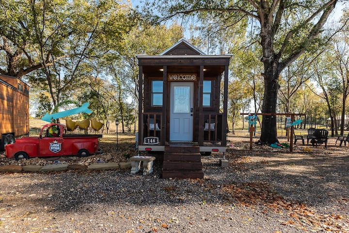Newly Built Tiny House Cottage 146