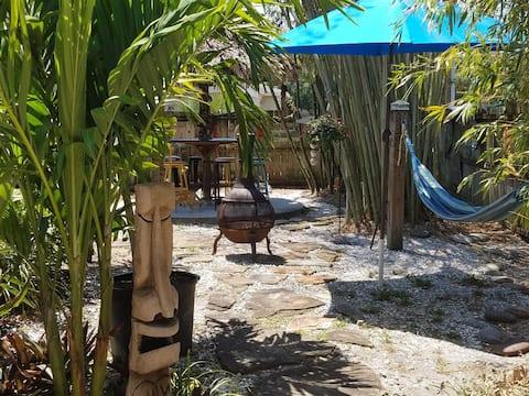 Tiki Garden Apartment