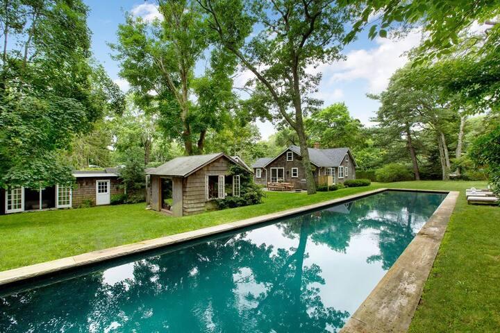 Quintessential East Hampton Cottage