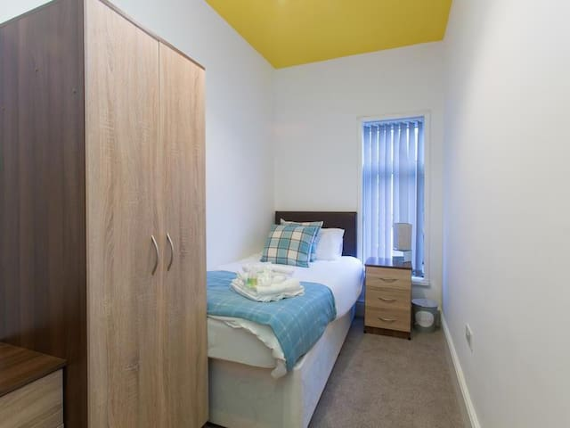 TownHouse @ Westminster St - Single  Room 6
