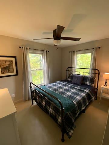 2nd downstairs queen bedroom