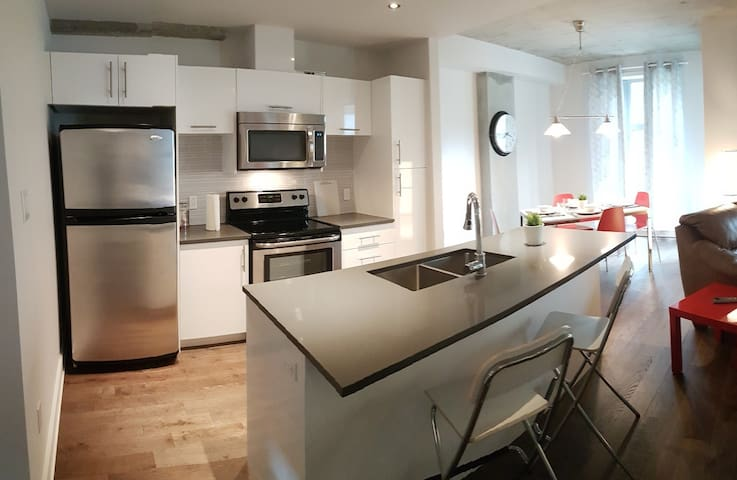 Open concept in the heart of downtown Montreal