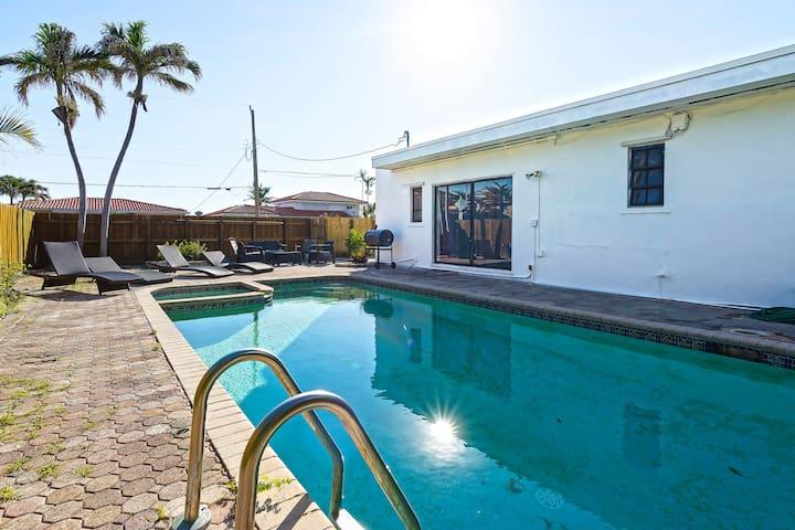 Tropical 1950s Pool Home 6min to Beach, Sleeps 16!