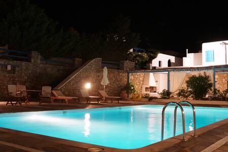 Royal Gem by Mykonos (Super Clean Pool Maisonette)