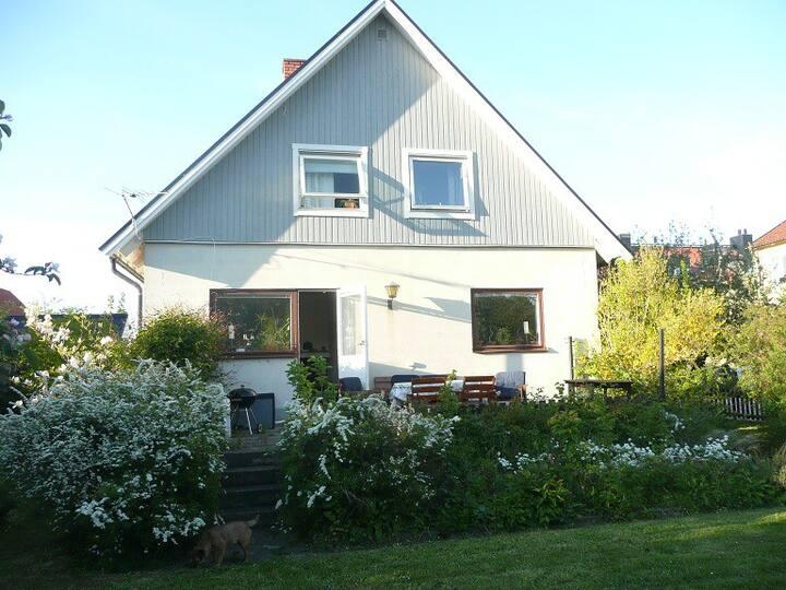 Central villa i Visby