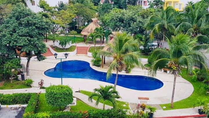 Apartamento céntrico alberca A/A wi fi Cancún segú