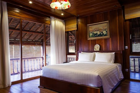 Sun Suit Double- Saigon Riverside Luxury Homestay - Ho Chi Minh