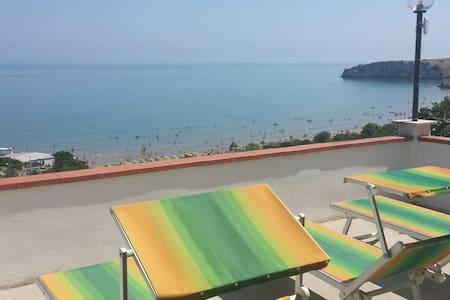 Bilocale vista mare case vacanze baia del gargano