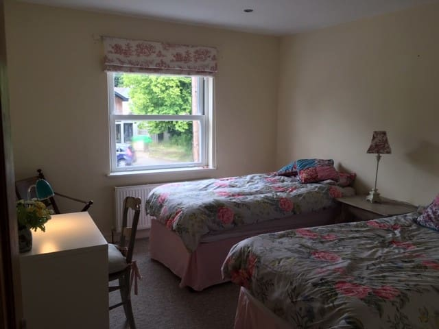 1st floor flat in Chorleywood - handy for London