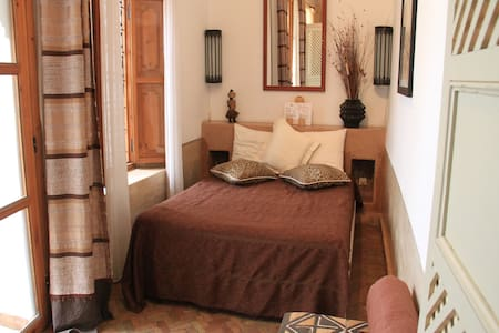 Chambre dans un Riad traditionnel - Marrakesh - Bed & Breakfast