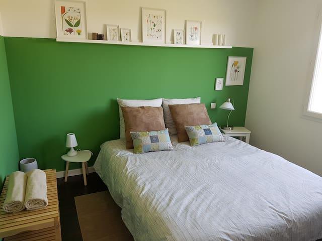 Chambre neuve et cosy sur le chemin de Compostelle - Miramont-Sensacq - Pensió