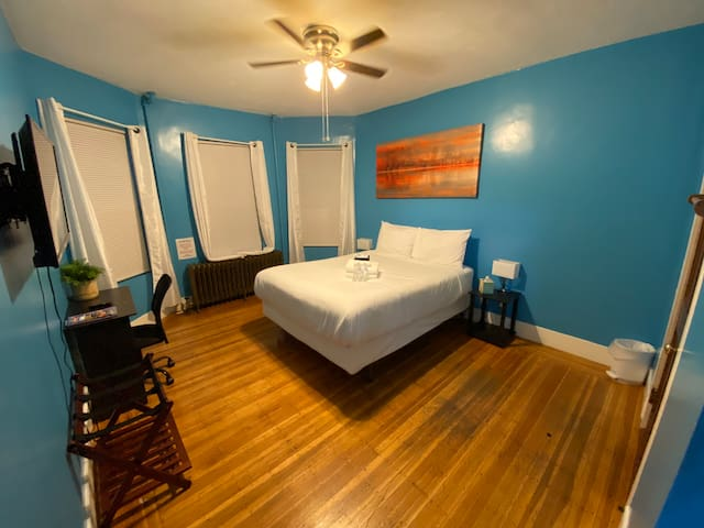 Elm Hill Suite