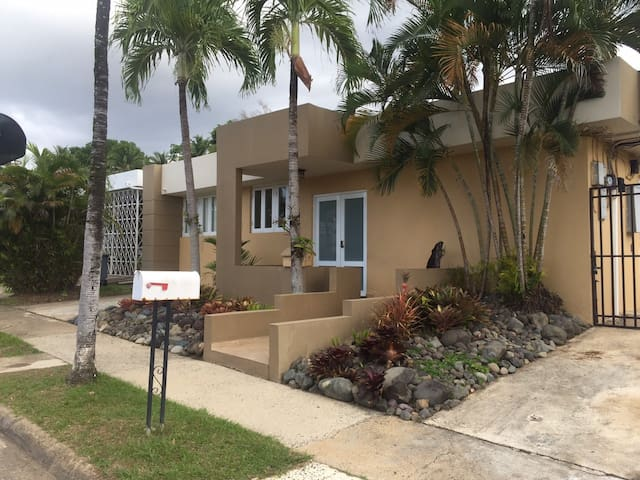 Beautiful 4 Bedroom 3 Bath Home in Gated Community - Guaynabo - Ev