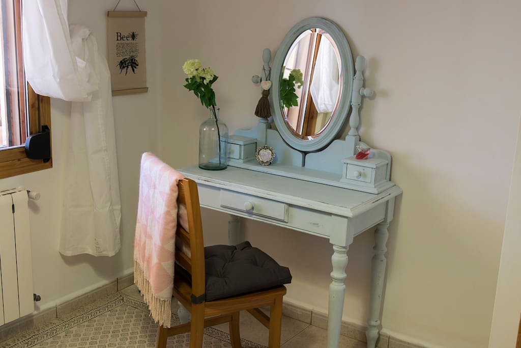 Dressing table in SR Quatro
