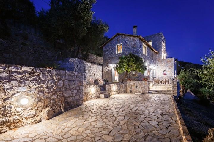 ΑΝΑξ villa  Kalamata Verga
