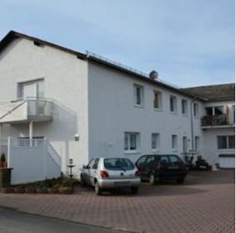 Ferienwohnungen Hermes Wohnung 2 - Holzhausen an der Haide - Apartament