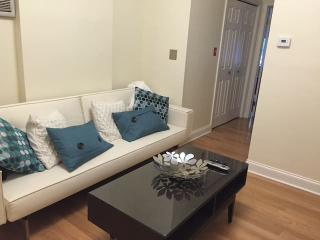 Cozy 1 Bedroom Apartment In Hoboken Flats For Rent In Hoboken New Jersey United States