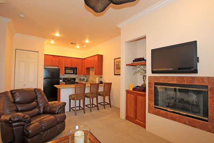 Perfect 1 Bed Retreat for a Couple LQ149 LIC#056710| Sleeps: 1 Bedroom, 1 Bathroom