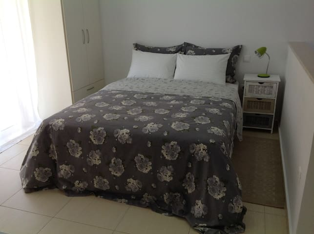 Airy studio apartment in a great location - Nafplio - Appartement