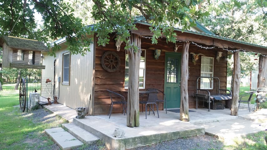 The Bunkhouse on the Flyin' D Ranch-Turner Falls