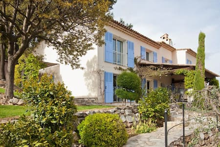 Stunning holiday villa with pool in Tourrettes - Tourrettes-sur-Loup - Villa