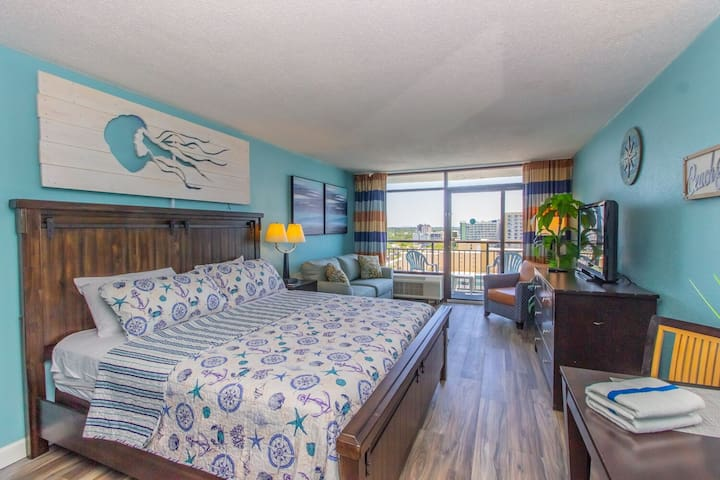 Completely Renovated~Landmark Resort Ocean View King Suite 1407