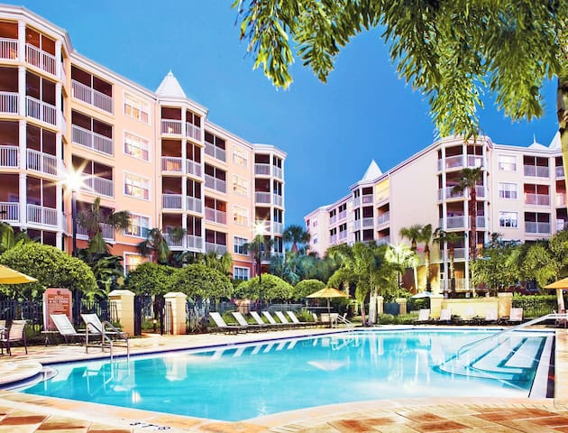 Hilton Grand Vacations Club At Seaworld (2Bdr)