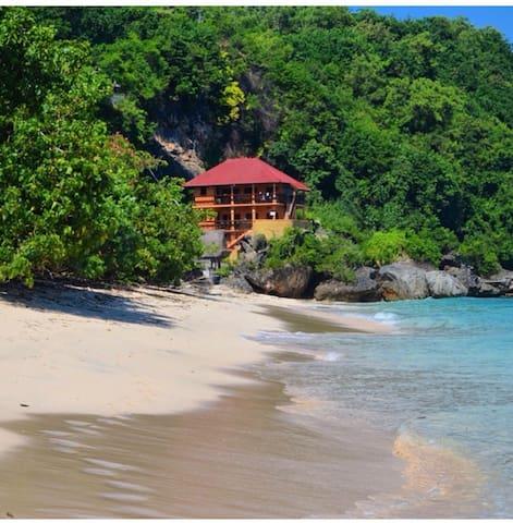 Ari Beachhouse (homestay ) Padang Padang Bali.Rm1
