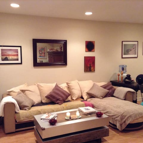 Private Room in Sherman Oaks
