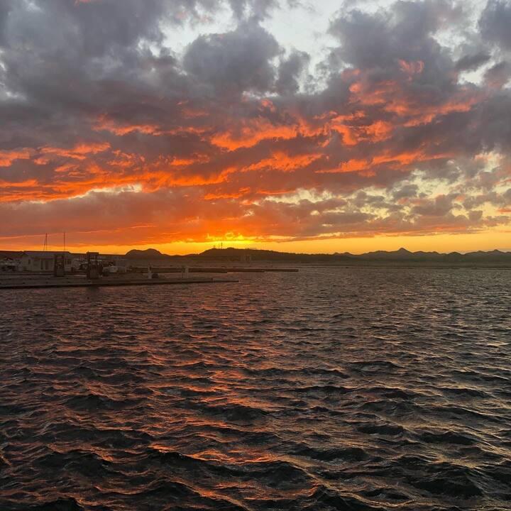 Houseboat Escape - Lake Pleasant
