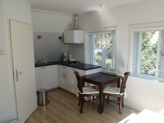 Renovated Studio incl Sauna close to beach - Egmond aan Zee - Apartmen