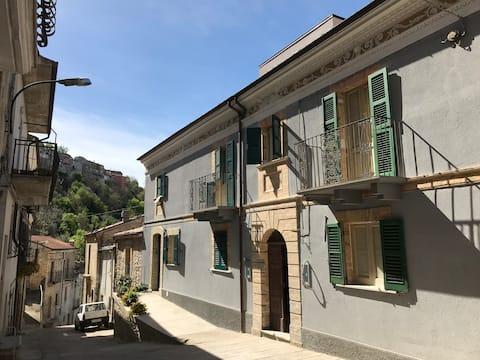 Casa Sirolli - casa d'epoca tra mare e montagna