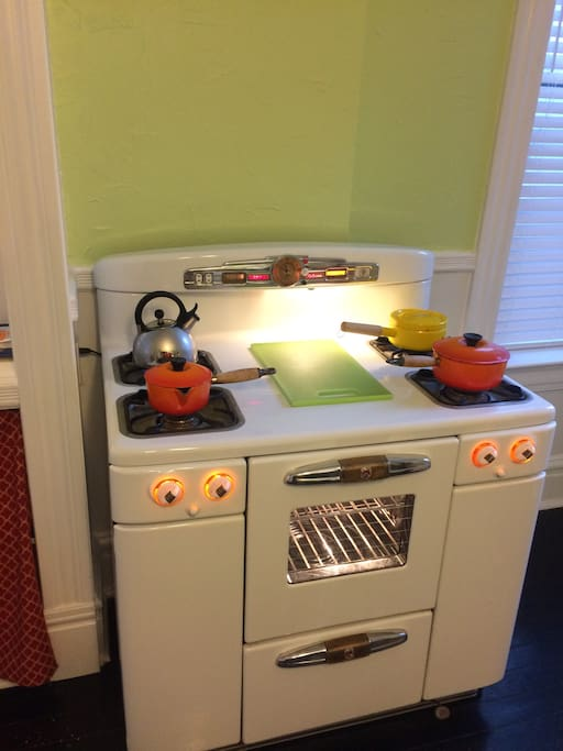 Tappan Deluxe gas stove