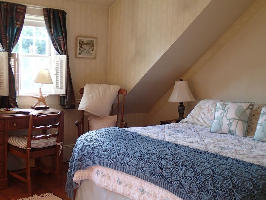 The king bedroom on the 2nd floor gets lots of afternoon sunlight. There is AC  during the summer months.